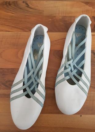 Спортивные туфли adidas