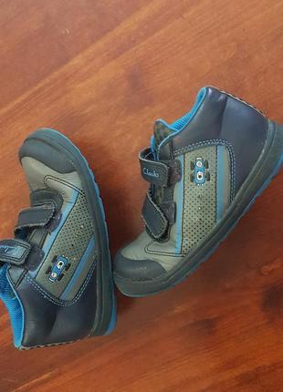 Демисезонные кожаные ботиночки clarks