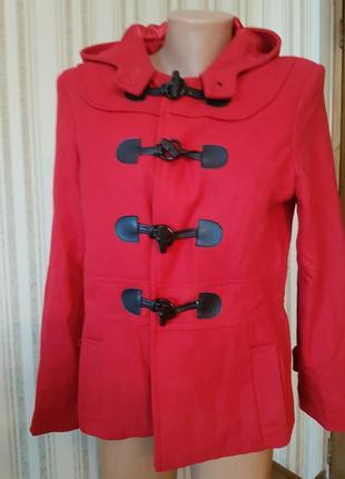 Стильное ярко-красное пальто debenhams