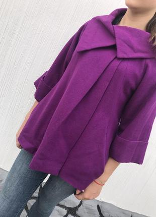 Красивое пальто цвета фуксия