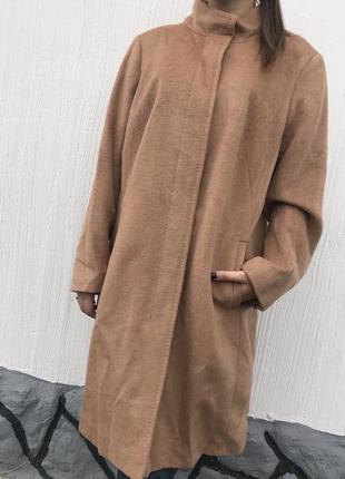 Шерстяное пальто большого размера