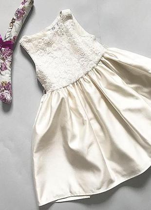Красивое нарядное платье для девочки 3-4 года