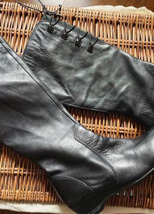 Высокие кожаные демисезонные сапоги италия