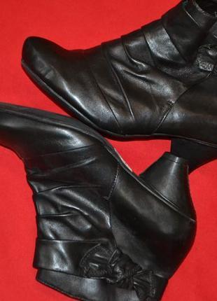 Великолепные деми ботиночки clarks