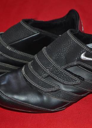 Фирменные женские  кроссовки nike