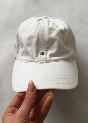 Оригинальная белая кепка tommy hilfiger