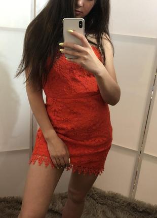Яркое и красивое платье от topshop