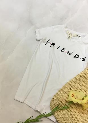 Топовая футболка от h&m с логотипом сериала friends