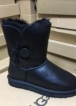 Женские сапоги ugg bailey button metallic black