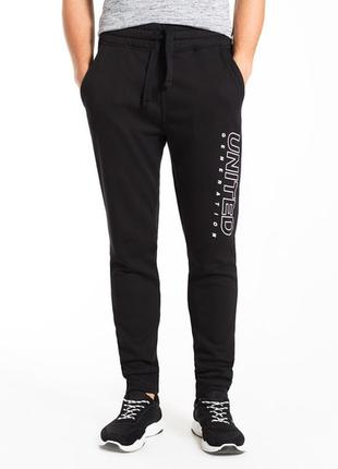 Продам новые мужские спортивные чёрные утеплённые штаны
