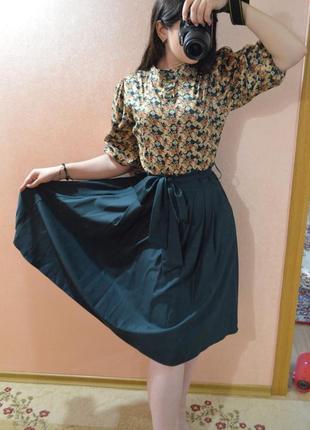 Классное платье миди y-plus приятного зеленого цвета с юбкой с...