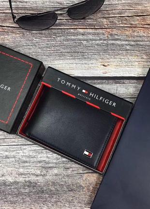 Мужской кожаный кошелек tommy hilfiger в подарочной упаковке (...