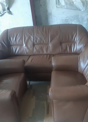 Набор мягкой мебели кожаный из 3-х предметов