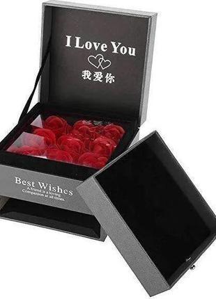 Подарочный набор роз из мыла с отделением под украшение