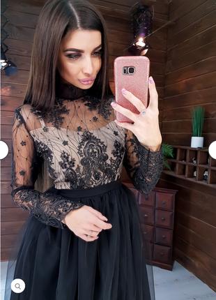 Платье миди с кружевным топом и фатновой юбкой