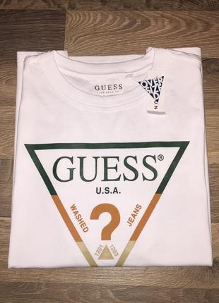 Guess оригинальная мужская футболка(over size)