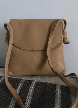 Кожаная сумочка кроссбоди