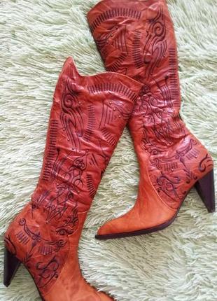 Зимние стильные сапоги казаки из натуральной кожи на натуральн...