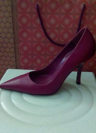 Туфли цвета фуксии
