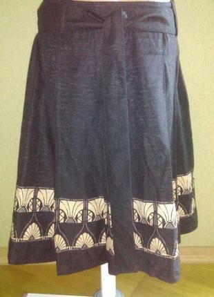 Шелковая   изумительная  юбка миди   с принтом
