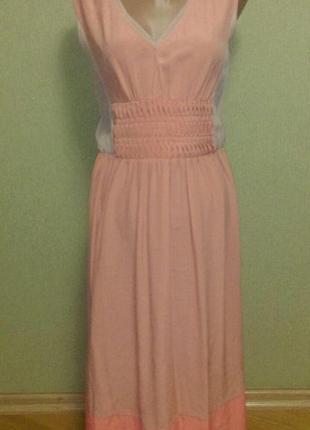 Романтичное  шелковое платье цвета пудры