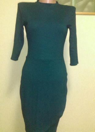 Красивое теплое платье изумрудного цвета маленький размер