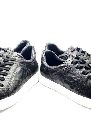 Продам действующий бизнес по пошиву обуви из экзотической кожи