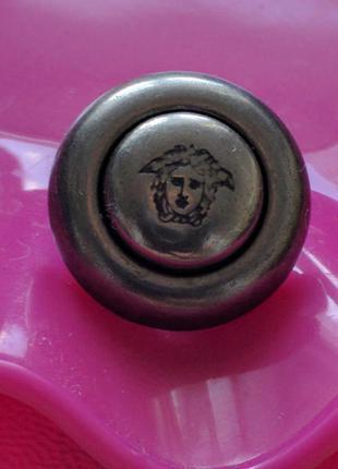 Пуговицы лого бренд v  винтажный лот из 6шт.