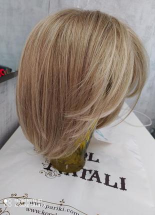 Новый парик с биркой