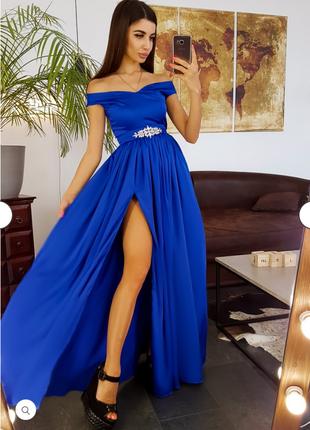 Платье длинное вечернее.