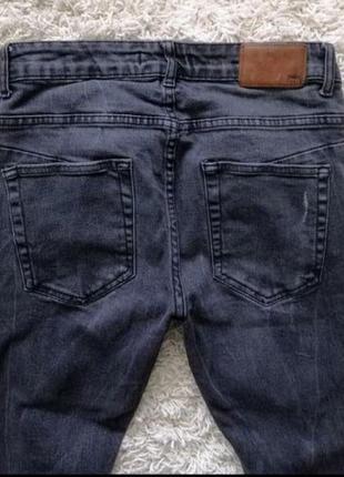 Стильные рваные мужские джинсы скинни zara 40