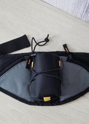 Спортивная сумка на пояс для бега.