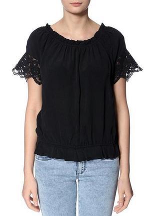 Блуза летняя  с открытыми плечами   vero moda