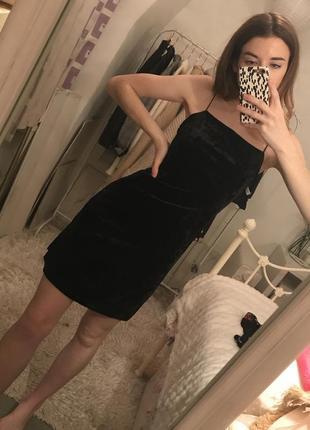 Бархатное платье на бретелях new look