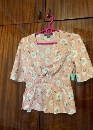 Лёгкая блузка в размере s от Primark
