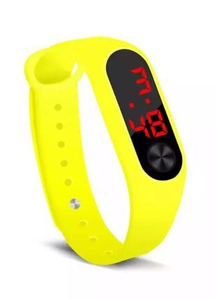 Часы электронные желтые