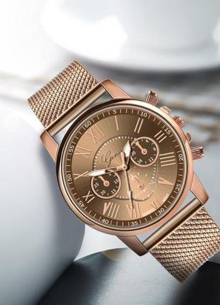 Часы наручные женские золотистые