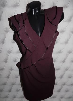 Эффектное платье винного цвета
