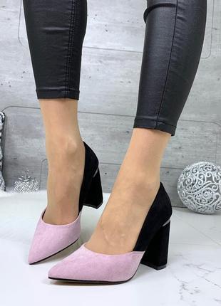 Шикарные черно-розовые туфли на каблуке