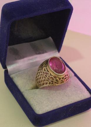 Перстень, кольцо с камнем рубин. серебро ссср - 875 звезда.
