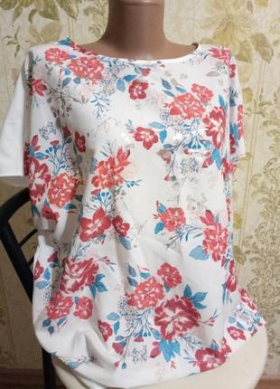 Красивейшая блузка - футболка с цветочным принтом ,большой размер