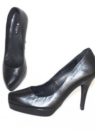 Крутые туфли 100% кожа от бренда tiger of sweden