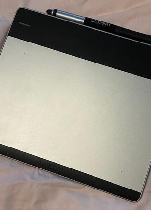 Графический планшет Wacom Intuos Pen & Touch