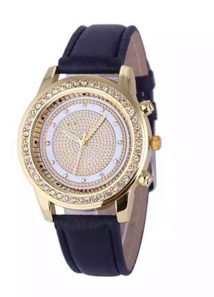 Часы наручные женские чёрные