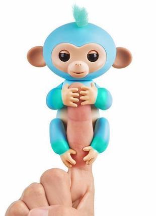 Интерактивная ручная обезьянка Fingerlings Charlie от WowWee