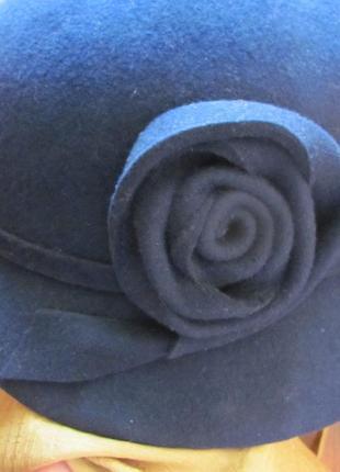 Шляпка синяя