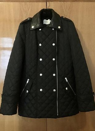 Утепленная куртка с кожаными вставками
