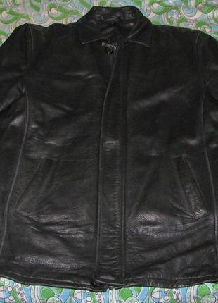 Продам кожаную куртку  б\у в отличном состоянии осень-зима-весна