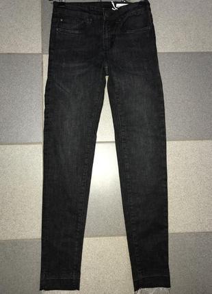 Модные  джинсы для подростка или миниатюрной девушки