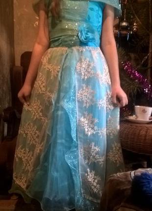 Праздничное платье на 10-12 лет.